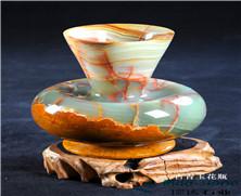 天然玉石:古青玉花瓶