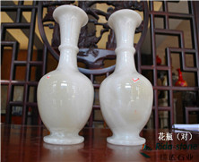 天然玉石:花瓶(对)