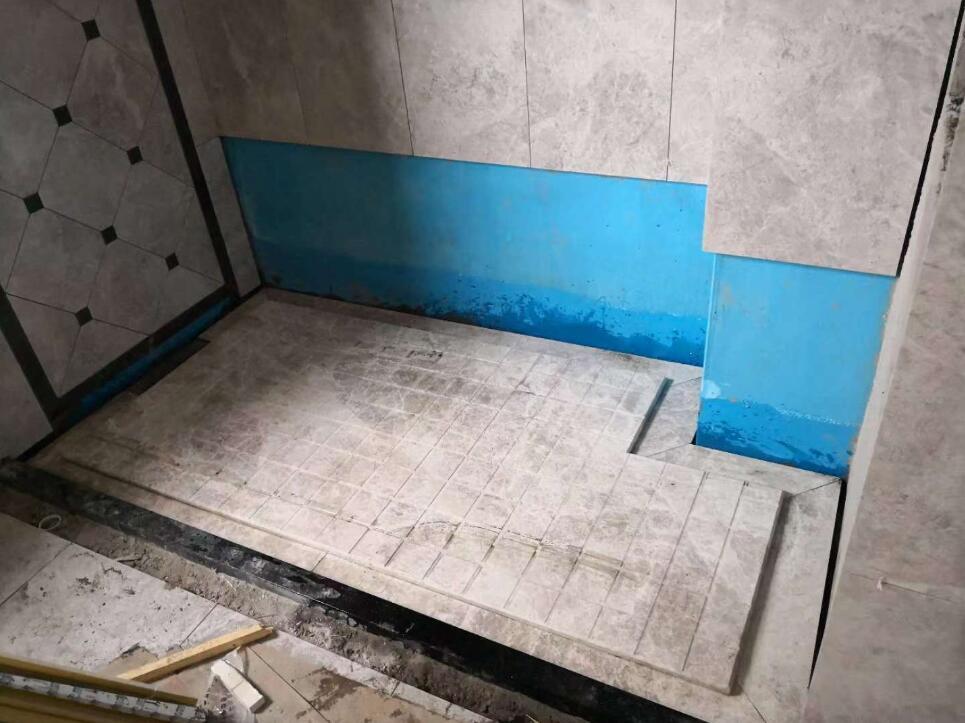 淋浴房地面
